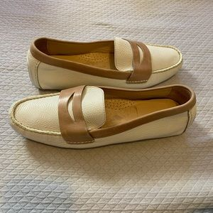 Cole Haan 9.5 Cream Tan Leather Driving Moccasin